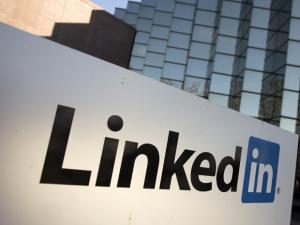 social media linked in job search