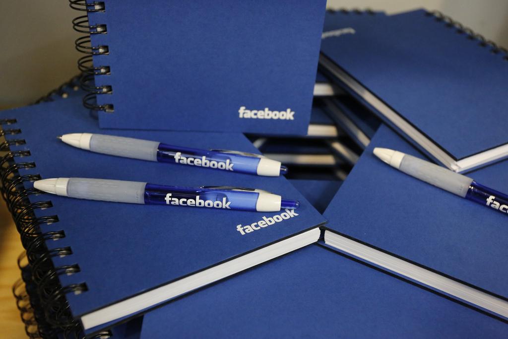 land facebook job